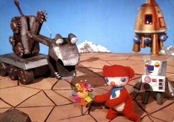 Полнометражный детский кукольный мультфильм про медведя в космосе 80-х годов.