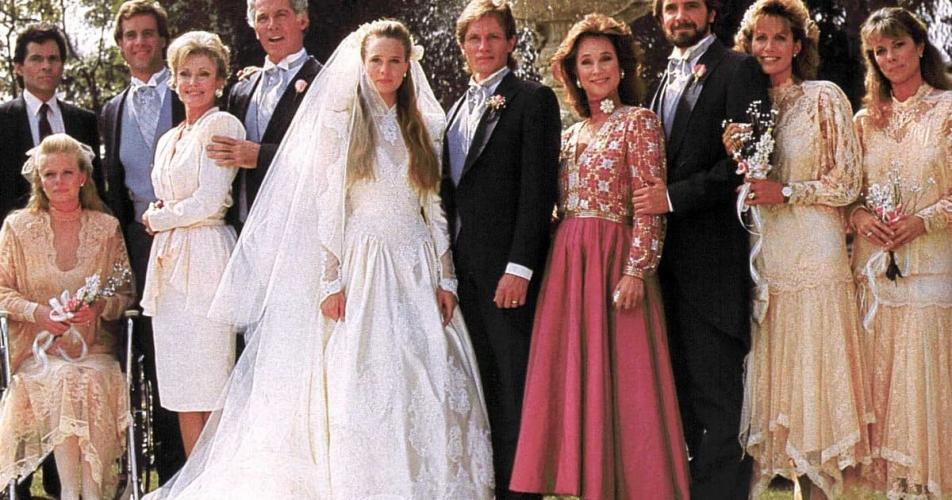 за кого Келли Кепвел выходит замуж на этой картинке? как зовут этого актера, помогите, пожалуйста, вспомнить.