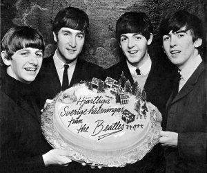 Пожалуйста, помогите всмпомить, как называется песня Beatles, где есть слова: and was music and wonderful (roses?), they tell me