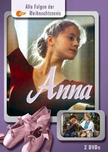 Фильм/сериал про влюбившуюся девочку-подростка... она вязала любимому шарф...